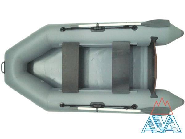 Наибольшая длина (м): 2,6 Наибольшая ширина (м): 1,3 Диаметр баллона (м): 0,35 Пассажировместимость (чел): 2 Вес лодки (кг): 19 Грузоподъемность (кг): 220 Максимальная мощность мотора (л.с): 3.5 Количество отсеков: 3