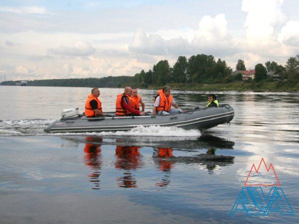 Надувная лодка Фаворит F-470